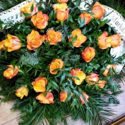 kwiaty z szarfą